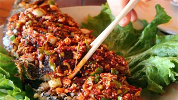 Fry fish at Qua Ngon Restaurant