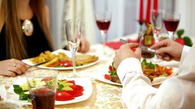 Đặt tiệc nhà hàng ngày lễ 2-9