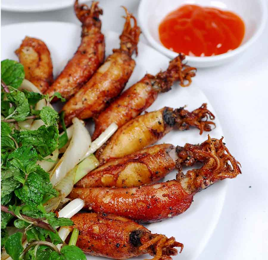 Squid fried with fish sauce
