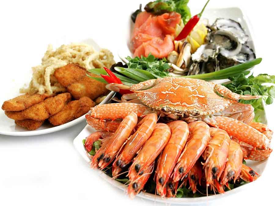 Nhà hàng Quá Ngon mừng lễ 2-9