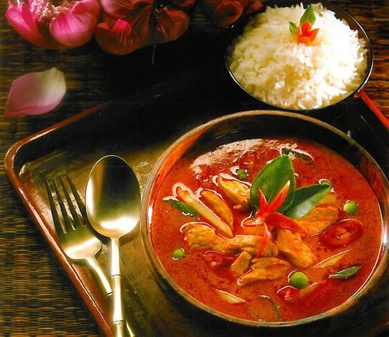 Lá chanh làm tăng hương vị súp cà ri