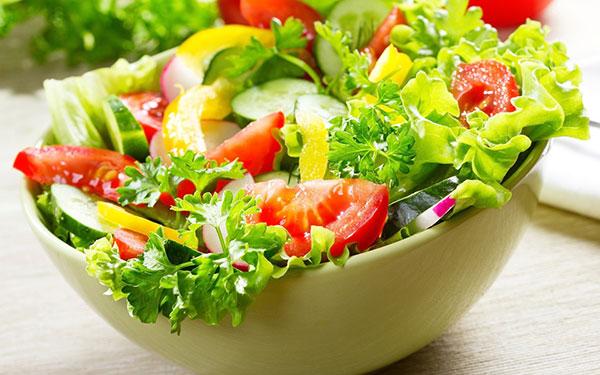 cong-dung-cua-giam-salad-tron-dau-giam