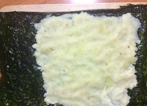 Khoai tây cuộn rong biển