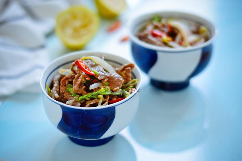 thanh-mat-ma-du-chat-voi-salad-bo-kieu-thai