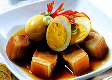 Thịt kho trứng phong cách miền Nam