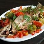 Độc đáo món cá chép om dưa
