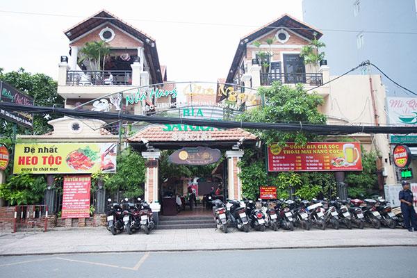 """Nhà hàng hải sản ngon thật """"Quá Ngon"""" tại TPHCM"""