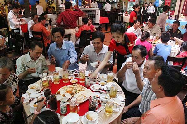 Họp mặt gia đình cuối tuần tại nhà hàng ngon nhất TpHCM
