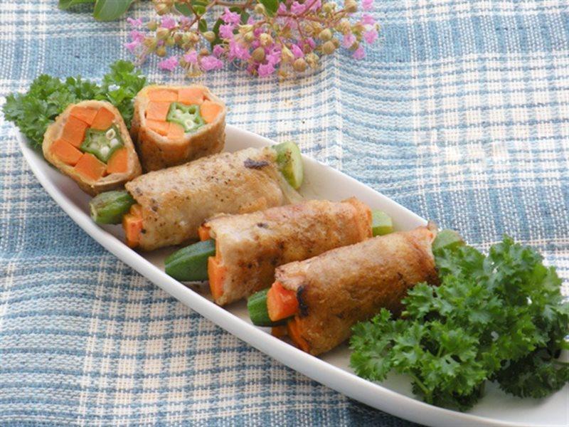 Cách làm món thịt heo cuộn rau củ ngon không cưỡng nổi