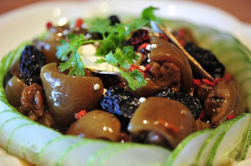Cách nấu món đuôi heo hầm thuốc bắc ngon nhiều dinh dưỡng