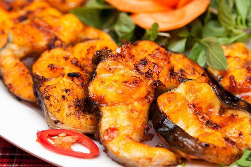 Ăn gì ở Sài Gòn món cá chình nướng muối ớt