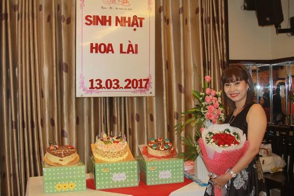 dat tiec sinh nhat-Hoa Lai
