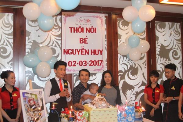 tiec thoi noi- be Nguyen Huy
