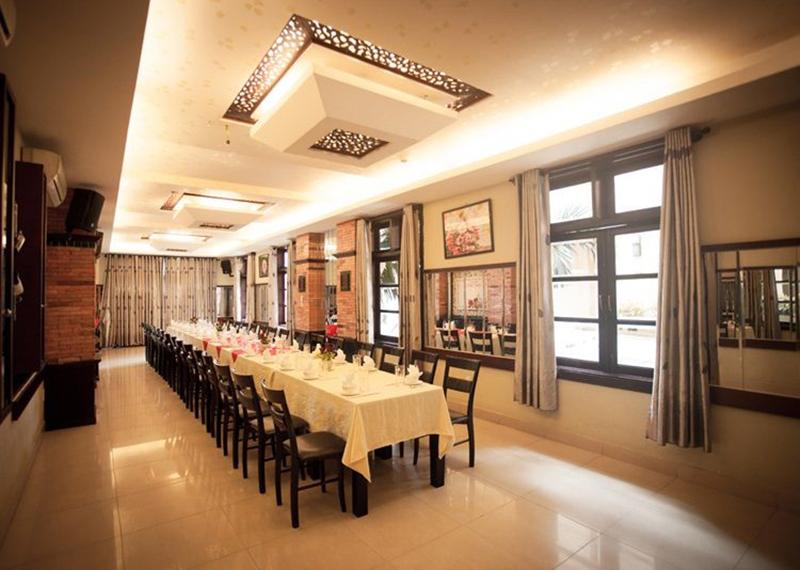 Phòng tiec nhà hàng Quá Ngon