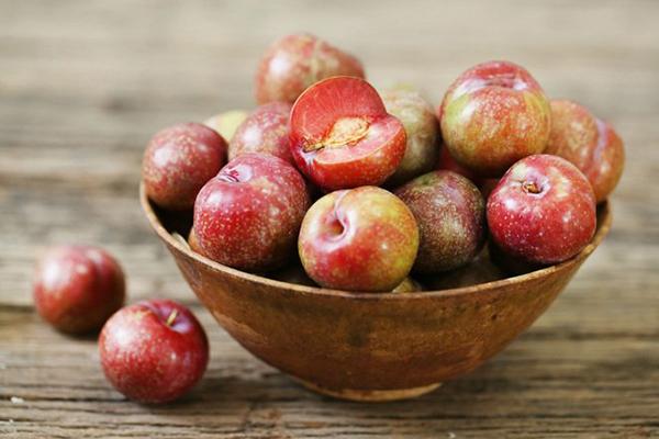Hoa quả đúng mùa là vật phẩm không thể thiếU