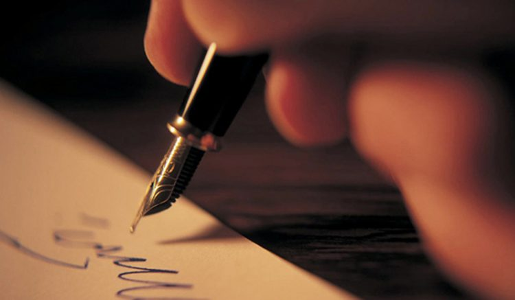 Lá thư tay bày tỏ lòng yêu thương
