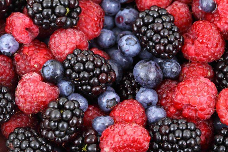 2. Các nhóm quả Anh đào như Blackberries, Blueberres và Cherry