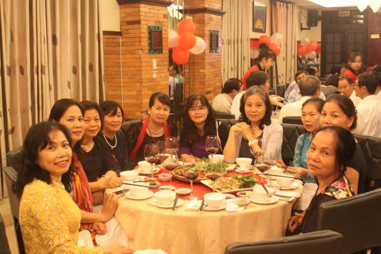 Ảnh kỷ niệm ngày cưới của anh Thanh Bình và chị Hà Dung