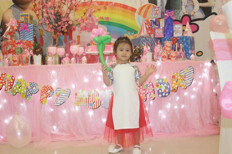 Ảnh Tiệc sinh nhật bé Trà My - 3 tuổi - Nhà Hàng Quá Ngon