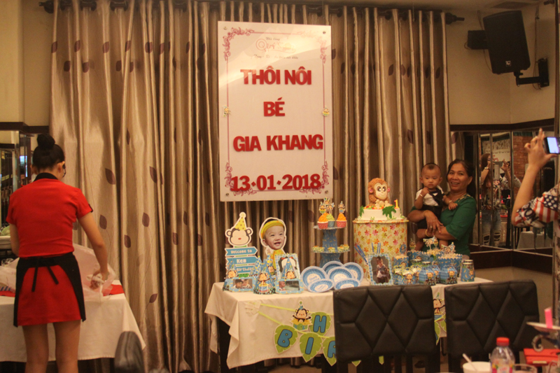 Ảnh Tiệc Thôi nôi Bé Gia Khang - Nhà Hàng Quá Ngon to chuc sinh nhat tai tphcm gia re (1)