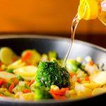 Mẹo vặt nấu ăn – Hướng dẫn sử dụng dầu ăn hiệu quả