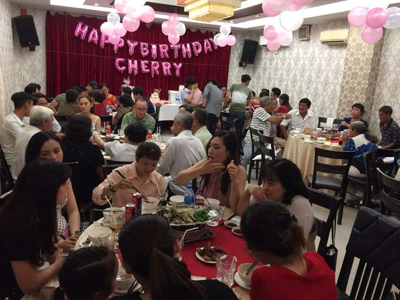 Ảnh Tiệc thôi nôi của Bé Cherry. Nhà Hàng Quá Ngon (6)