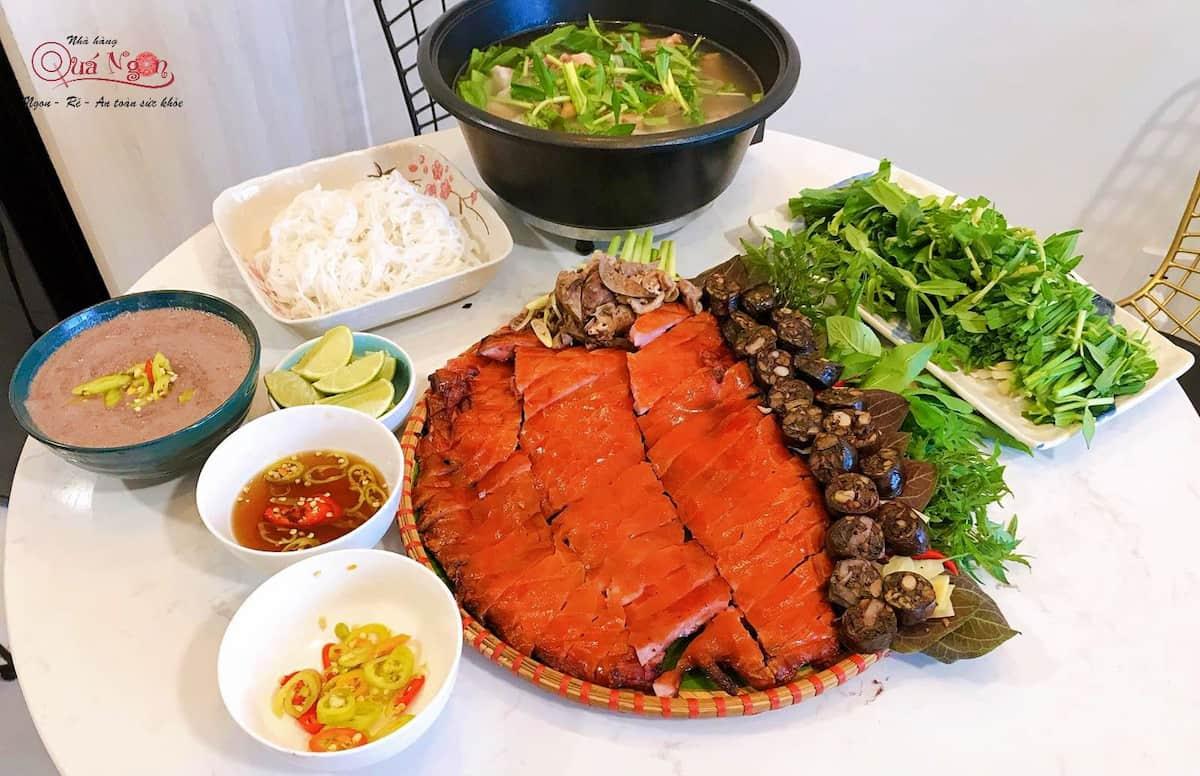 chieu dai tiec cho khach hang (2)